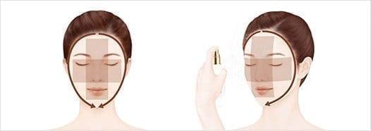 2 PASSO Ogni volta che sentite la pelle asciutta, spruzzare leggermente sul viso da una distanza di 10-15 cm.